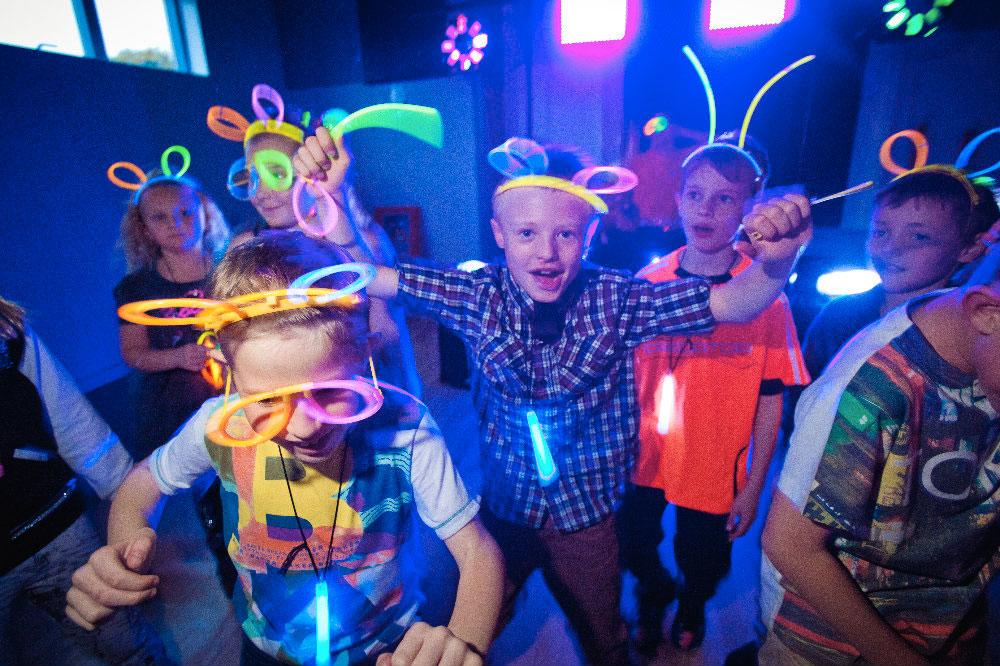 fiesta-luminosa-niños