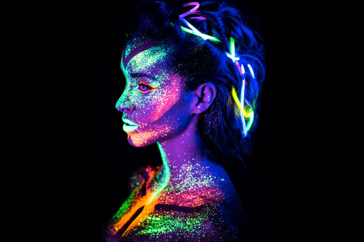 pintura ultravioleta cara